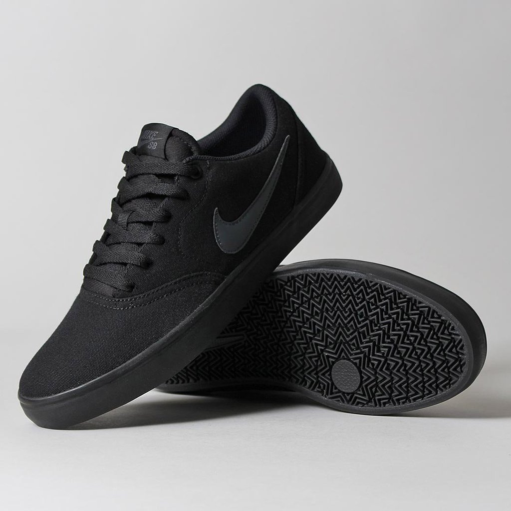 best website 0ec31 591cf Nike SB Check Solarsoft Canvas Men s Skateboarding Shoe